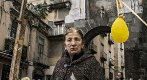 Nelle foto, le stampe di Iole Capasso, Francesca De Caro (in alto)\ ilmondodisuk.com