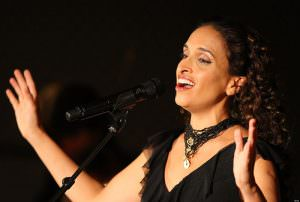 La cantante israeliana Noa | ilmoindodisuk.com