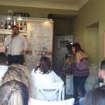 In foto, i ragazzi durante le audizioni al caffè letterario di piazza Dante, Il tempo del vino e delle rose\ ilmondodisuk.com
