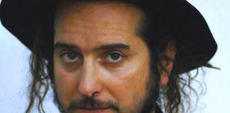 Viniio Capossela | ilmondodisuk.com