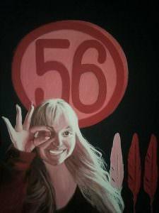 Qui sopra, il ritratto di Emilia Sensale con il numero 56. In alto, Barbara e la giornalista