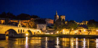 Avignone di notte | ilmondodisuk.com
