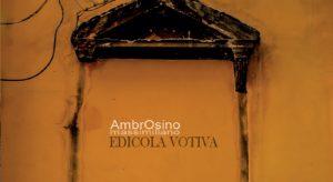 Nelle foto, in alto, il cantautore, qui sopra, la copertina del disco\ ilmondodisuk.com