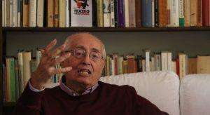 Nella foto di Cesare Abbate,, il drammaturgo Manlio Santanelli\ilmondodisuk.com