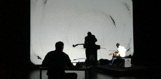 """Nelle foto, alcuni momenti dello spettacolo """"Ce qui tremble et brille au fond de la nuit noire"""" e due artisti protagonisti\ilmondodisuk.com"""