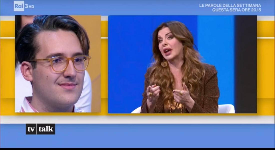 Breve intervento di Giammy durante la trasmissione, con la showgirl Alba Parietti\ ilmondodisuk.com