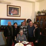 La nonnina centenaria con i 5 figli (da sinistra. Francesco, Antonietta, Giuseppe, Alfonso e Giovanna)