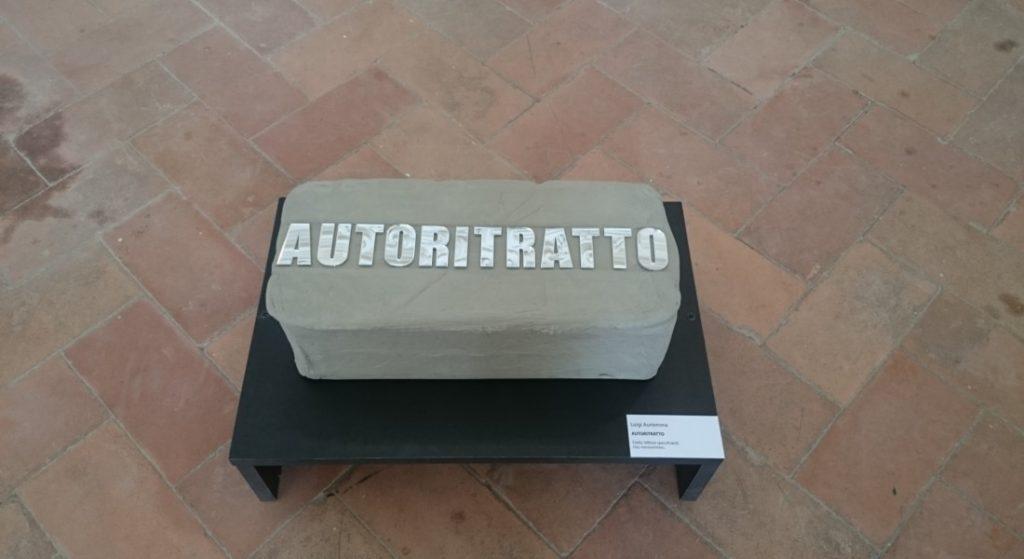 """In foto, alcune opere in mostra: qui sopra, """"Autoritratto""""\ ilmondodisuk.com"""