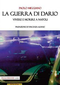 Qui sopra, la copertina del libro. In alto, l'autore
