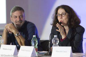 Qui sopra, Francesca Vitelli durante il suo intervento e una panoramica del convegno (ph Claudia Scuro)