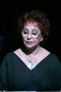 Qui sopra , Tina Femiano. In alto, Egudio Carbone