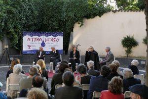 Un momento del dibattito Nogaro/Bertinotti. In basso, il sindaco Angelo Crescente
