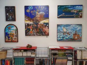 Nelle foto, alcune opere in mostra
