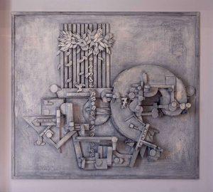 Qui sopra, scultura in legno di Andrea Sparaco(Collezione permanente del Palazzo delle Arti di Capodrise)