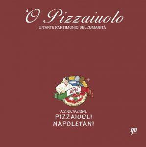 Qui sopra, la copertina, In alto, una pizza appena sfornata