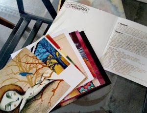 Qui sopra, e in alto, l'album che è anche art book. In basso, un'opera di sorgente