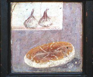 Qui sopra, alimetazione a Pompei; in alto le celle dei sottotetti